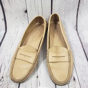 Tod's Cream Leather Slip On Driving Loafers Shoes